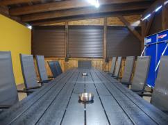 03 - Stůl včetně sezení.