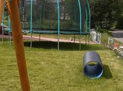 Potrubni prolezacka a trampolina